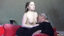 Порно ролики старые ебут молоденьких